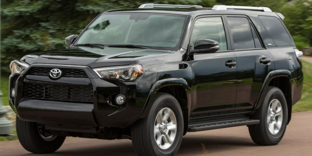 2015_Toyota_4Runner_SR5_4dr_SUV_40L_6cyl_5A_3941880