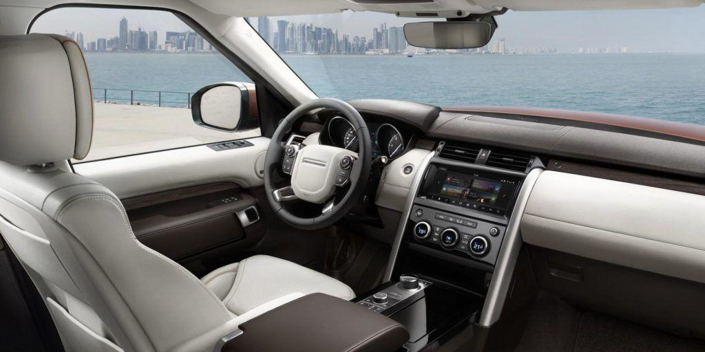 new-land-rover-discovery-cabin